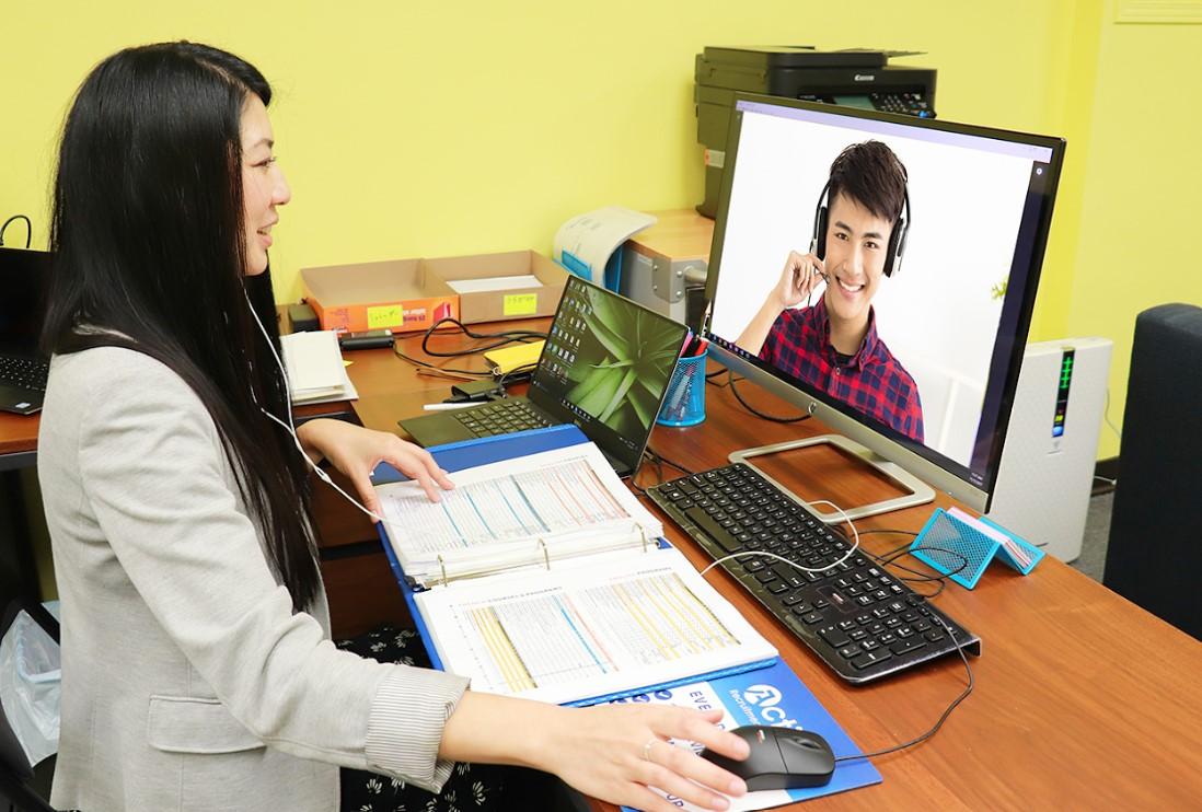 Skypeカウンセリング中