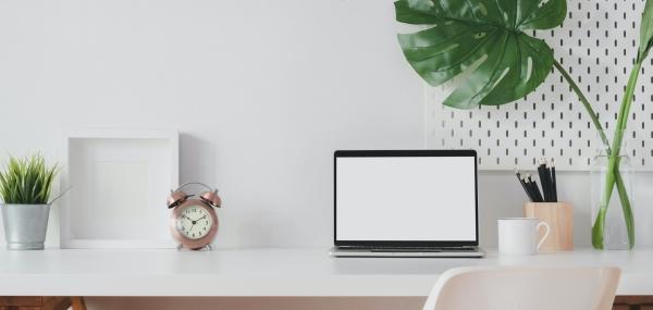 Desk_Laptop