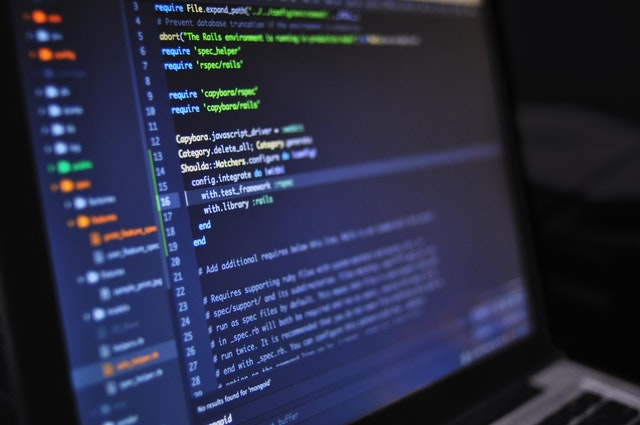 プログラミングをしている画面